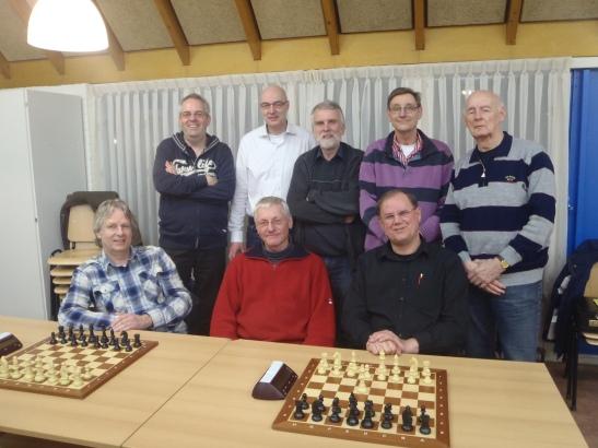 Het kampioensteamachterste rij: Herman, Peter, Leo, Evert en Ruud voorste rij: Herman, Arie en Jan.