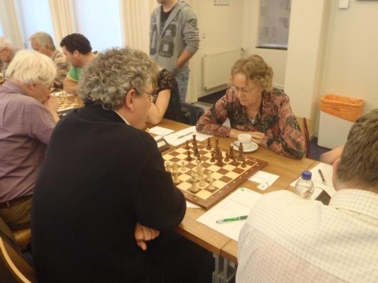 Ton tegen oud Nederlands dameskampioen Carla Bruinenberg.