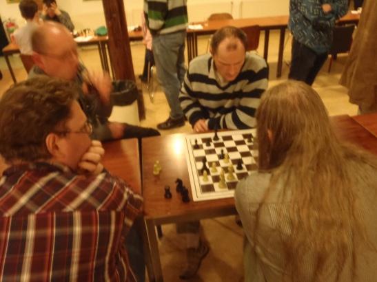 Marcel in de analyse. Willem en Bastiaan geven goede en minder goede ideeën.